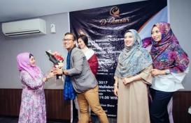 Desainer Lokal Asal Jogja Rilis Koleksi Pashmina Hijab Batik