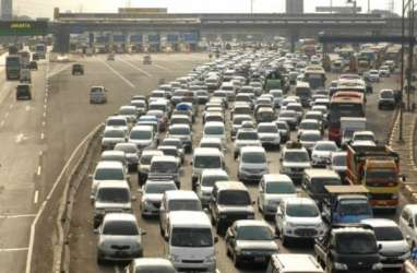 ARUS BALIK LONG WEEKEND: 98.000 Kendaraan Diprediksi Lintasi Gerbang Tol Cikarang
