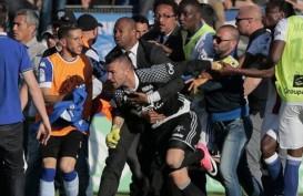 Pertandingan Bastia Vs Lyon Dihentikan Gara-gara Suporter Serang Pemain