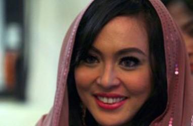 PILGUB DKI 2017: Angelina Sondakh, Jesica  Wongso 'Nusuk' di TPS 095