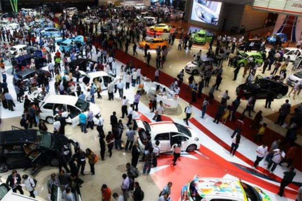 Ilustrasi suasana pameran otomotif di Jakarta - Bisnis.com