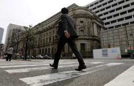 BURSA JEPANG: Komentar Gubernur BoJ Bebani Yen, Nikkei 225 & Topix Naik Tajam