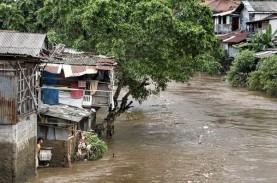 Ahok : Penertiban Bantaran Sungai Tetap Dilakukan