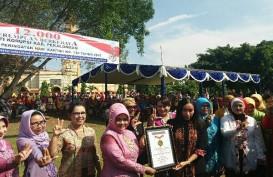 Hadirkan 12.000 Perempuan Berkabaya, Kabupaten Pekalongan Peroleh Penghargaan MURI