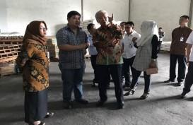 ATURAN PERMENDAG No. 20: Mendag Sidak Gudang Distributor Bahan Pokok