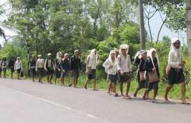 Rayakan Seba, Warga Badui Dalam Jalan Kaki 40 Km