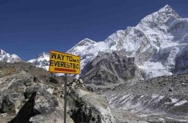 Everest Telan Korban, Pendaki Swis Jatuh Sedalam 1.000 Meter