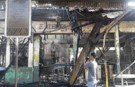 Stasiun KRL Klender Terbakar, Penumpang Menumpuk