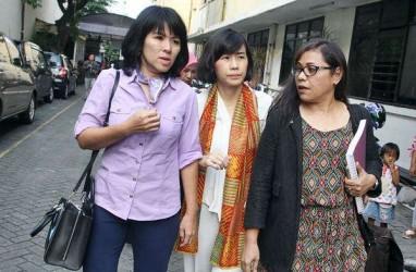 Veronica Tan Menangis Bacakan Surat Ahok