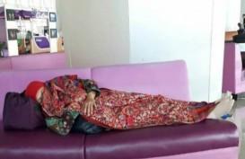 Mensos Tidur di Bandara, Foto Menyebar di Instagram