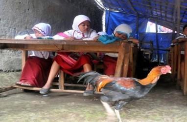 Tolak Lima Hari Sekolah, Puluhan Anggota FPDIP Surakarta Gelar Aksi