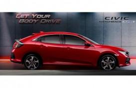 UJI BERKENDARA HONDA CIVIC HATCHBACK: Mantapnya Mobil Sporty Empat Pintu