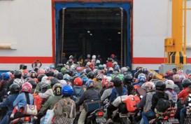 ARUS BALIK: Pengguna Sepeda Motor Bakauheni-Merak Lebih Tertib