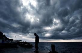 CUACA INDONESIA 17 JULI: Hujan Petir di Palembang