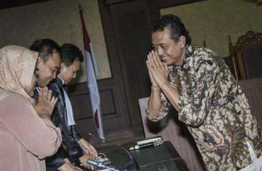 GRATIFIKASI PAJAK : Terdakwa Komunikasi dengan Pejabat Kanwil DJP Jakarta