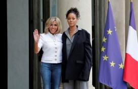 Rihanna Temui Presiden Macron, Bahas Pendidikan & Kesehatan