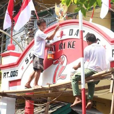 Gapura Minimalis Agustusan Cat 5 000 Gapura Merah Putih Nippon Paint Formulasikan Warna Khusus Kabar24 Bisnis Com