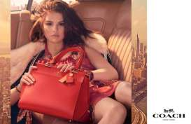 Digandeng Coach, Selena Gomez Jadi Desainer Tas