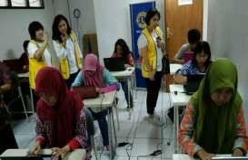 Politeknik Negeri Jakarta dan LCJM Gelar Lomba Mengetik Cepat