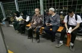 Syafii Maarif Beri Contoh Keteladanan, Naik Commuter Line ke Bogor