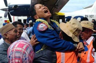 Pilot Esther Bangga Terbangkan N219 Produksi PT Dirgantara Indonesia