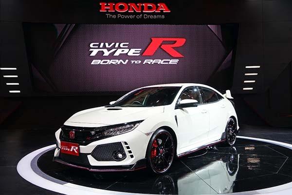 Honda Civic Type R dipesan sebanyak 25 unit sepanjang GIIAS 2017 -  Bisnis.com / PT Honda Prospect Motor