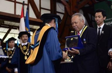 Menteri PUPR, Menteri Pariwisata, dan Seskab Terima Penghargaan Tertinggi dari ITB