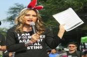 Cinta Laura Kumpulkan 4.500 Tandatangan Petisi Against Animal Testing