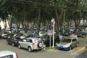 Pemilik Kendaraan di DKI Wajib Punya Garasi. Ini Aturan dan Sanksinya