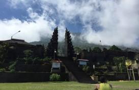 Gunung Agung Level Waspada, Turis Masih Mendaki