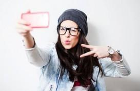 Tren Selfie Dongkrak Penjualan Smartphone