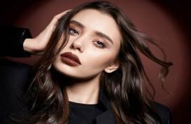 Make Over Eksplorasikan Lipstik Warna Bold
