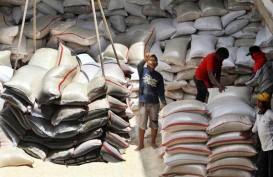 Harga beras di Pasar Induk Cipinang Stabil