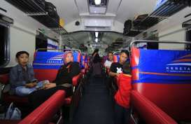 HARI PAHLAWAN: Veteran Gratis Naik Kereta Api