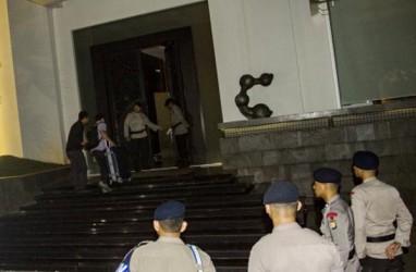 Penyidik KPK Sambangi Rumah Setya Novanto
