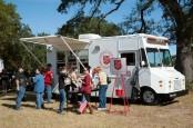 Anglia G Auwines, Kisahnya di Balik Food Truck