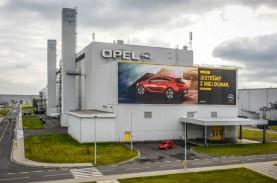 Peugeot Rakit Mesin di Pabrik Opel