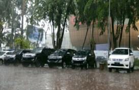 Hujan Deras Mendadak Turun Usai Bobby-Kahiyang Jalani Prosesi Adat Mandailing
