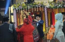 Foto Rangkaian Prosesi Adat di Puncak Pesta Pernikahan Kahiyang-Bobby