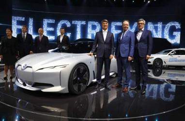 MOBIL LISTRIK : BMW Semakin Agresif