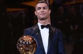 Lima Kali, Cristiano Ronaldo Menangi Lagi Ballon d'Or