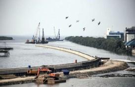 Sandiaga Siap Susun Payung Hukum Pembangunan Tanggul Laut