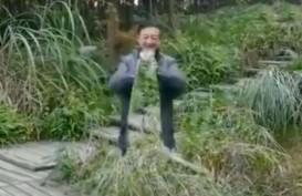 Pria di China Bisa Menghilang dengan Kain Tembus Pandang, Asli?