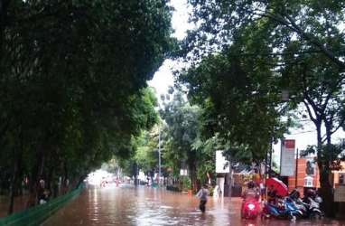 Jakarta Banjir, Sandi Salahkan Anomali Cuaca