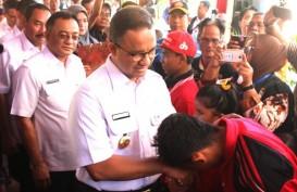 Anies Tinjau Perbaikan Tanggul Jati Padang
