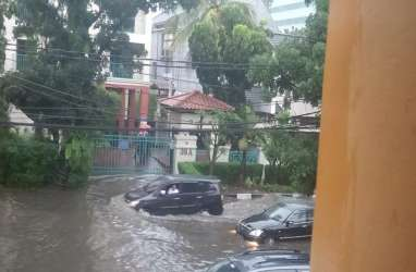 BANJIR DI JAKARTA : Antisipasi Serangan dari Tiga Penjuru