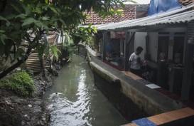 Tanggul Kali Pulo Jebol, Anies Bilang Ada Rumah di Atas Sungai