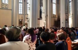 MISA MALAM NATAL: Ikut Misa di Katedral, Umat Nasrani Wajib Daftar Online