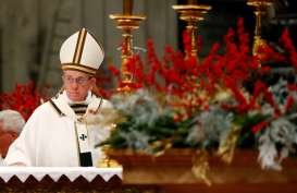 Paus Fransiskus Sampaikan Dukungan Kepada Imigran Dalam Misa Natal