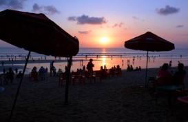 Libur Natal, 20.000 Wisatawan Padati Pantai Kuta Setiap Harinya